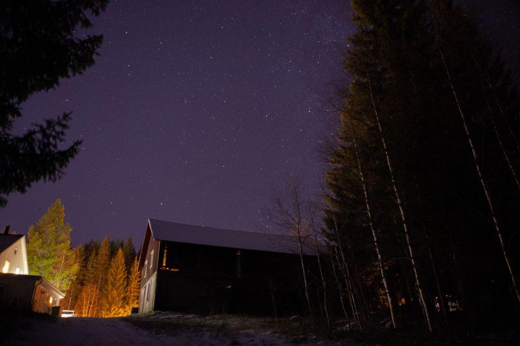 Natthimmel på ladugård